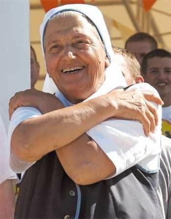 Madre Elvira fundadora Comunidad Cenaculo